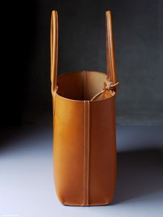 Best 12 kumosha's full hand stitched tote large Leather Pouch, Leather Crossbody Bag, Leather Shoulder Bag, Brown Leather Handbags, Leather Purses, Leather Bags Handmade, Leather Craft, Circle Purse, Fashion Bags