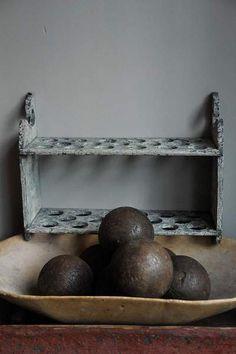 Wooden Balls / Bolas de Madeira @ ANTIQUES & DECORATIVE