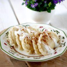 Przepis na Pierogi z twarogiem i rodzynkami Magic Recipe, Pierogi, Cauliflower, Macaroni And Cheese, Meat, Vegetables, Cooking, Ethnic Recipes, Food