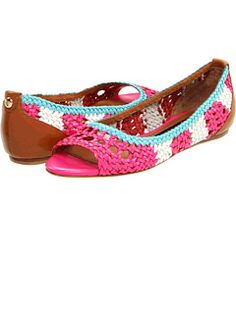 Juicy Couture Prima flats via White Lake, Denim Shoes, Boys Shoes, Summer Shoes, Cute Shoes, Juicy Couture, Loafers, Slip On, Shoe Bag