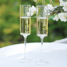 Contemporary Toasting Flutes | #exclusivelyweddings | #whitewedding