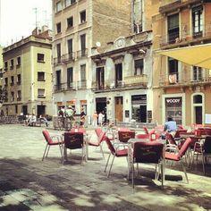 Plaça del Sol, Barcelona (Spain).  Tapas time!