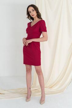 brania, które pasują do wszystkiego? Klasyczne, eleganckie? Można z nich stworzyć niejeden outfit? Taka jest właśnie kolekcja Classics. Jej główne założenie to garderoba kapsułowa, czyli minimalistyczna szafa z ubraniami o uniwersalnym zastosowaniu, w kilku kolorach i wzorach pasujących niemal do wszystkiego. #classyfashion, #classystyle, #classygirl, #classyoutfit, #businesslook, #outfitdaily, #minimalismfashion, #minimalizm, #szafakapsułowa, #timelessstyle, #MonikaKaminska…