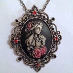 Crying weeping Beauty Lady with cross cameo - 40x30mm - (TU Original Design)