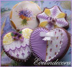 Violet cookies by Evelindecora