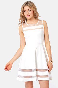 AHHH I like it even better in WHITE!!!