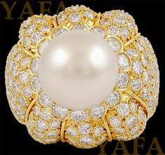 Yafa Signed Jewels is The World's Largest Source of Magnificent Jewels and Fine Antique Jewelry. Find Vintage Van Cleef, Cartier, David Webb and More! Gems Jewelry, Art Deco Jewelry, Jewelery, Bulgari Jewelry, Fine Jewelry, Van Cleef And Arpels Jewelry, Van Cleef Arpels, Pearl And Diamond Ring, Pearl Ring