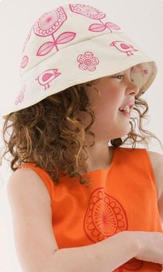Girls Sun hat kit from cloth kits - includes all the fabric, lining, instructions and even thread. Make Time, How To Make, Craft Kits, Sun Hats, The Fosters, Screen Printing, Kids Fashion, Diy Baby, Cloud