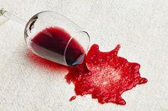 #Dica saiba como remover mancha de #vinho https://enogourmetpremium.com/blog/conheca-tecnicas-para-tirar-manchas-de-vinho/