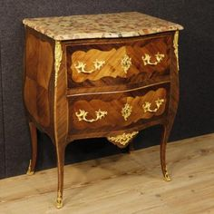 1900€ French inlaid dresser with marble top. Visit our website www.parino.it #antiques #antiquariato #furniture #inlay #antiquities #antiquario #comò #commode #dresser #chest #drawer #decorative #interiordesign #homedecoration #antiqueshop #antiquestore #inlaid #marble #style
