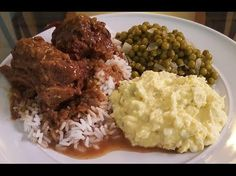 How to make Smothered Turkey necks with brown gravy, green peas and potato salad