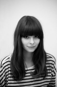 Textile designer Nancy Straughan - New Site Fringe Hairstyles, Pretty Hairstyles, Straight Hairstyles, Lady Lovely Locks, Extensions, Haircuts With Bangs, Face Hair, Dream Hair, Ginger Hair