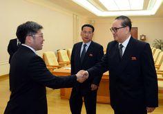 조선로동당 중앙위원회 부위원장 리수용동지가 몽골인민혁명당대표단을 만났다