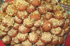 Τα πιο νόστιμα και αρωματικά μελομακάρονα που έχετε δοκιμάσει! Greek Desserts, Sweet Tooth, Muffin, Sweets, Cookies, Breakfast, Ethnic Recipes, Food, Christmas