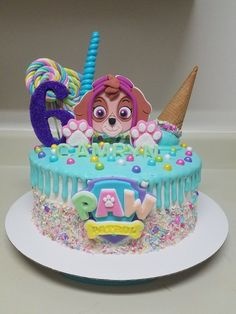 Throw an exceptional get-together for your children's birthday party with these 7 fascinating paw patrol party ideas. The thoughts must be convenient to those who become the true fans of Paw Patrol show. Girls Paw Patrol Cake, Bolo Do Paw Patrol, Paw Patrol Torte, Skye Paw Patrol Cake, Paw Patrol Birthday Girl, Birthday Cake Girls, Birthday Kids, Birthday Games, Birthday Parties