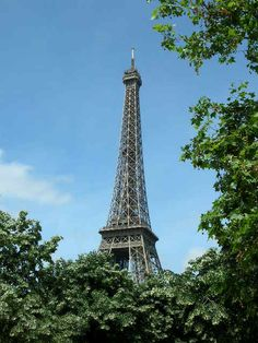 A beautiful day to see the sights of Paris.