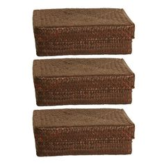 This elegant and stylish set of baskets will easily add a sense of natural beauty to the decor in your living space. Featuring accompanying lids, these woven containers also offer some very functional storage space.