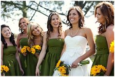 www.weddingrowcalifornia.com | Frenzel Photographers | green bridesmaid dresses