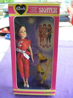 Pedigree 1982 Brunette Sindy Skater Doll Red Lurex 44710. New & Boxed | 150+7