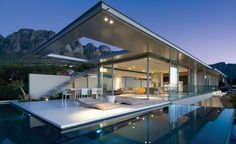 First Crescent -  a seven bedroom rental villa | SAOTA – Stefan Antoni Olmesdahl Truen Architects | Campus Bay, South Africa
