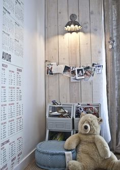 Love the wooden wall & storage