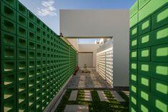 Image 1 of 15 from gallery of LB4 House  / Riofrio+Rodrigo Arquitectos. Photograph by Fernando Barranzuela Ramírez