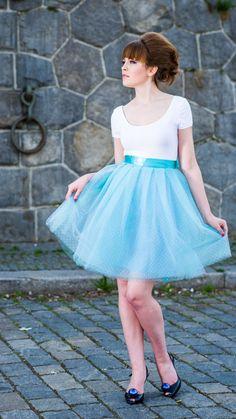 mint dots Back To Black, Elegant Dresses, Tutu, Fashion Beauty, Ballet Skirt, Mint, Hairstyle, Skirts, Inspiration