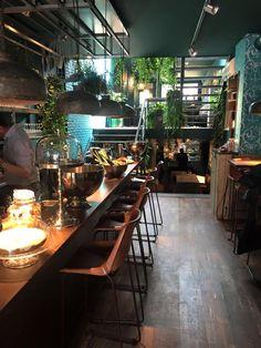 | Luc. | www.lucutrecht.nl | Lunch - Diner - Drinks - Coffee | ⌂ Voor Clarenburg 8, Utrecht | +31304004060 |