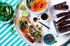 Sick of eating the same sandwich from the cafe near your office? Feeling envious when you watch colleagues pull out gourmet meals at the work kitchen? Don't go through another week of feeling guilty you didn't prep in advance. Here, we showcase our favourite collection of freezer-friendly recipes for next week.