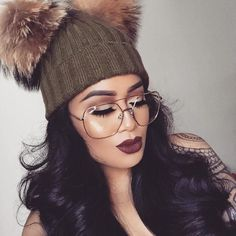 Glowy Makeup, Kiss Makeup, Makeup Art, Glasses Frames, Eye Glasses, Ft Tumblr, Eyewear Trends, Oversized Glasses, Computer Glasses