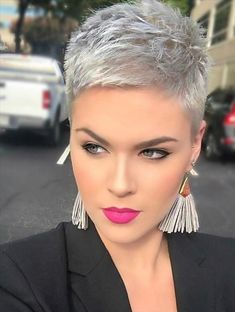 Today we have the most stylish 86 Cute Short Pixie Haircuts. We claim that you have never seen such elegant and eye-catching short hairstyles before. Pixie haircut, of course, offers a lot of options for the hair of the ladies'… Continue Reading → New Short Hairstyles, Short Pixie Haircuts, Short Hairstyles For Women, Trendy Haircuts, Pixie Haircut Styles, Haircut Short, School Hairstyles, Edgy Pixie Hairstyles, Chic Haircut