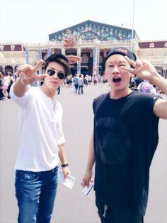 EunHyuk & DongHae at Disneyland