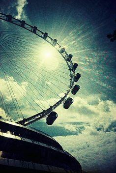 Singapore Flyer- Ride the world's tallest ferris wheel!