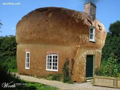 variety of unique home designs-bread model of house Unusual Buildings, Interesting Buildings, Amazing Buildings, Amazing Houses, Crazy Houses, Weird Houses, House Funny, Unique Architecture, Pavilion Architecture