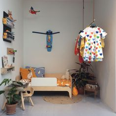 ❤️ #minirodinihome #minirodini #plantoys #studioescargot #pennyskateboard #oeufnyc #fabelab #droogdesign #designletters #grapattoys… Nursery Room, Boy Room, Kids Bedroom, Penny Skateboard, Plan Toys, Nursery Modern, Kids Decor, Home Decor, Kid Spaces