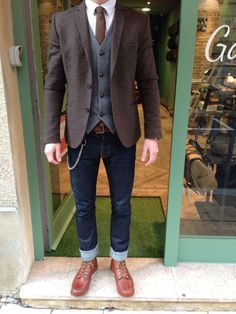 Blazer | brogues | skinny jeans | waistcoat | classic mens vintage style - don't know about the jeans but love the top half! #MensFashionRustic