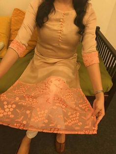 Do this with ur kurti.u look aue pretty Salwar Neck Designs, Churidar Designs, Kurta Designs Women, Dress Neck Designs, Blouse Designs, Long Kurta Designs, Salwar Pattern, Kurti Patterns, Dress Patterns