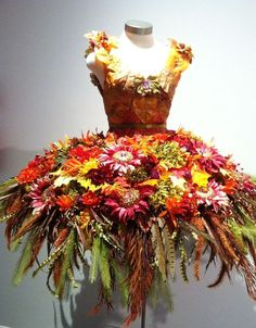 Exhibit Tiaras & Tutus at the National Museum of Dance Ballet Costumes, Dance Costumes, Deco Floral, Floral Design, Floral Fashion, Fashion Art, Dress Fashion, Flower Costume, Baby Kostüm
