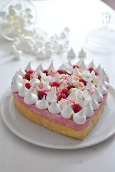 New Cake Decoration Meringue Sweets Ideas Food Cakes, Cupcake Cakes, Sweet Recipes, Cake Recipes, Dessert Recipes, Mini Cheesecake, New Cake, Valentines Food, French Pastries