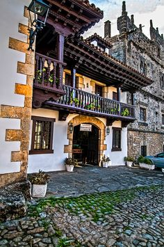 Plaza de las Arenas, Santillana de Mar Cantabria Spain Cool Places To Visit, Great Places, Places To Travel, Beautiful Places, Vacation Destinations, Vacation Trips, Vacation Spots, Places In Spain, Amazing Buildings