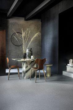VT Wonen with set design by Cleo Scheulderman c/o Stillstars (photos: Peggy Janssen) Dining Chairs, Dining Table, Prop Styling, Terrazzo, Doors, Flooring, Furniture, Design, Home Decor