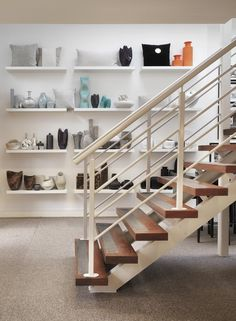 English Interior Designer Kelly Hoppen Opens a New Studio and Showroom Kelly Hoppen Interiors, Office Interiors, Best Interior Design, Interior Design Studio, Studio Design, Showroom, Novo Design, English Interior, Loft