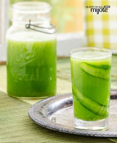 Kraft Canada's collection of beverages & drink recipes for diabetics are an easy way to keep your health in check. Discover our healthy drinks today! Cucumbers And Onions, Pickling Cucumbers, Refreshing Drinks, Yummy Drinks, Cocktail Drinks, Cocktails, Party Drinks, Low Calorie Drinks, Cucumber Recipes
