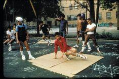 Ken Swift watches (rocking the white Kangol) while Crazy Legs floor rocks, Rock Steady Crew (當年在公園內玩耍的)