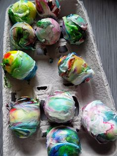 One Savvy Mom ™ | NYC Area Mom Blog: How To Dye Easter Eggs With Whipped Cream - Instead Of Shaving Cream!