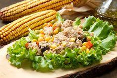 Mój zbiór przepisów kulinarnych-  wyszukane w sieci: Sałatka warstwowa z tuńczyka i kukurydzy: prosty p...