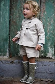 Musketeer Boots Trends - Un conjunto espectacular de Teresa Leticia Musketeer boots have become a must that everyone wants to wear. This autumn you can not miss in your closet and we have found 11 mosqueteras boots ideal for every occasion. Fashion Moda, Look Fashion, Kids Fashion, Little Girl Fashion, My Little Girl, Boy Outfits, Cute Outfits, Toddler Rain Boots, Lookbook