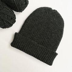 Kolejna czapka, tym razem wersja dorosła 😉   #knit #knitting #knitlove #knittingaddict #knitstagram #knittersofinstagram #dropsmerinoextrafine #dropsyarn #yarn #yarnlove #polishknitters #nadrutach #rękodzieło #dzierganie