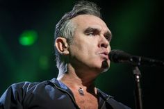 Morrissey se niega a tocar en un local de conciertos que vende carne  Morrissey refuses to play at a venue that sell meat