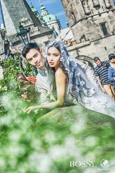 Fotka v albu Wedding photoshooting - Misura Travel & Bossy Photo Studio… Charles Bridge, Wedding Photoshoot, Photo Studio, Prague, Travel, Fashion, Voyage, Moda, La Mode